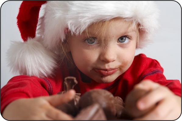 shutterstock_copil-craciun-ciocolata