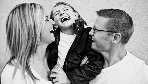 familie-fericita-www.fiimplinit.ro